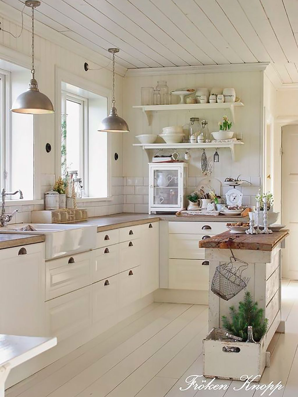 4 of This Years Hottest Kitchen Trends (and 3 Tired Fads)