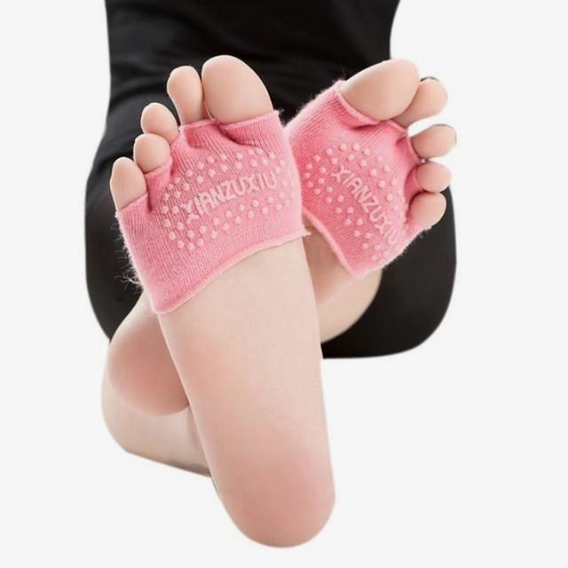 Yoga Socks, Women Invisible Yoga Gym Non Slip Toe Socks Half Grip Heel Five Finger Socks