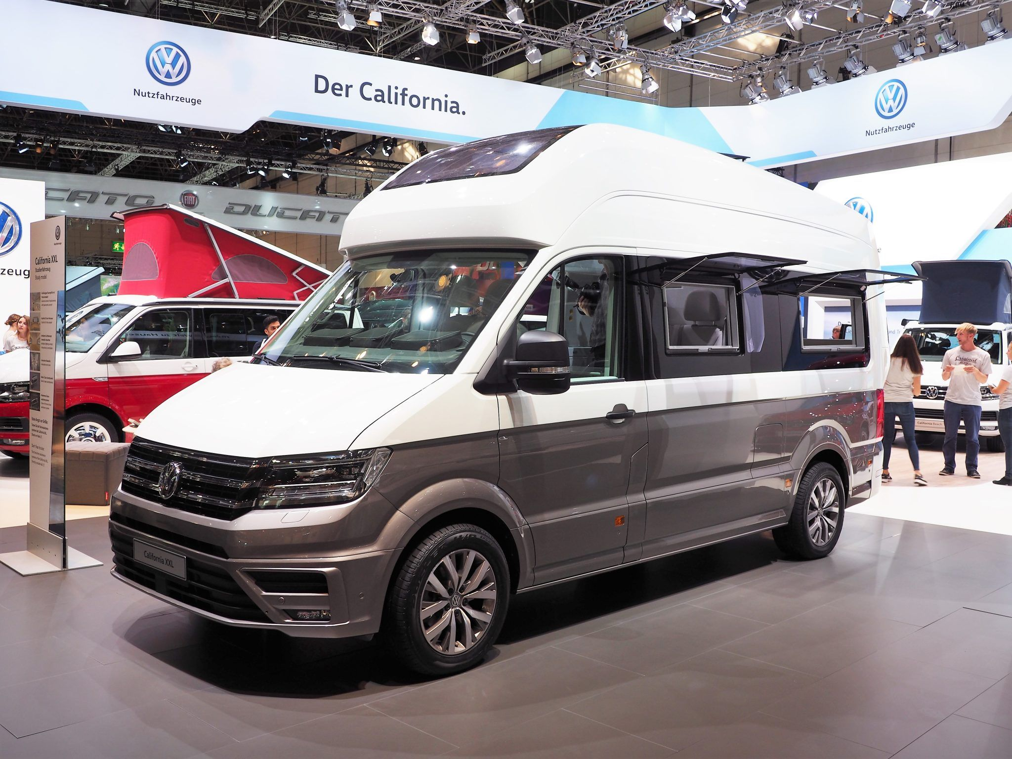 Auf dem Carvan Salon hat Volkswagen den California XXL vorgestellt