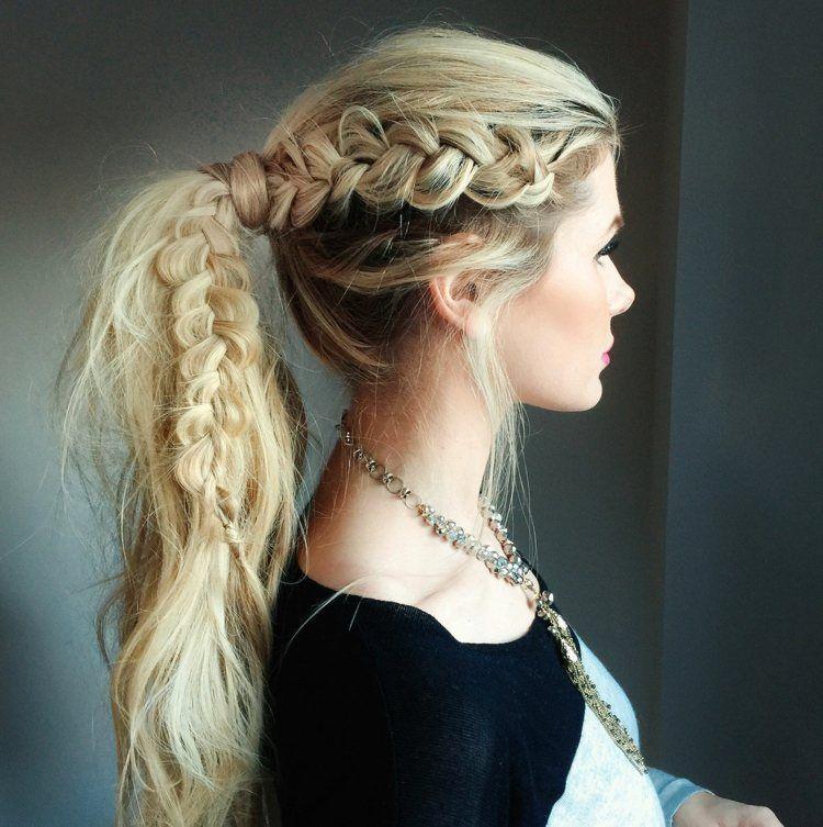 Coiffure tendance , Queue de cheval avec une tresse latérale coiffure cheveux long