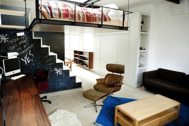 Hanging-Bed-Bohemian-Camden-Apartment-2 architecture and design - departamento de soltero moderno pequeo