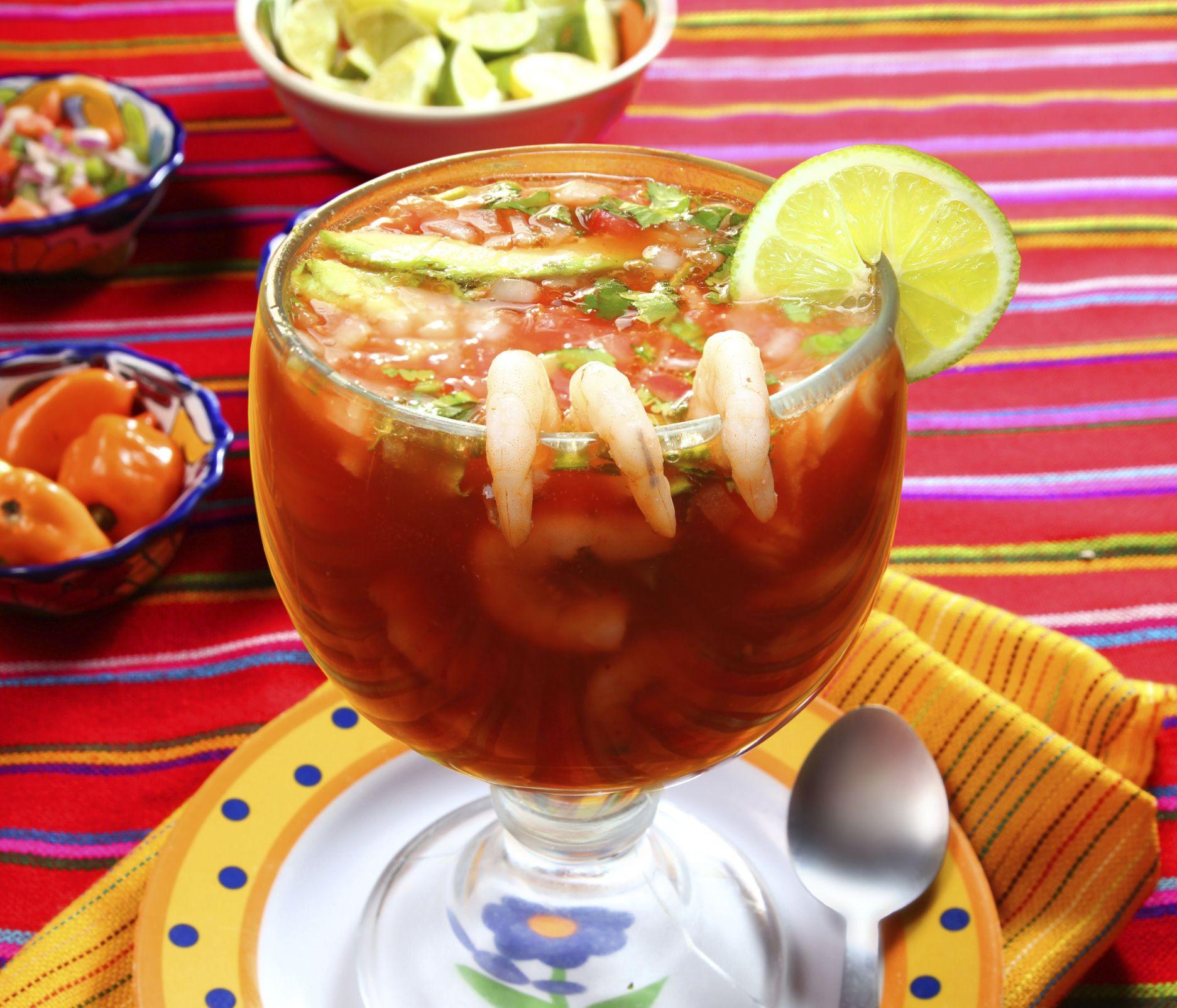 Pin de laura monica ramos en recetas de cocina camar n - Coctel de marisco ingredientes ...