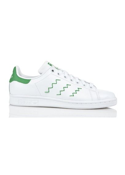 check out 067d0 66fcc E-boutique Baskets Stans Smith W En Cuir Avec Bandes Brodées Blanc Adidas  femme   Place des Tendances