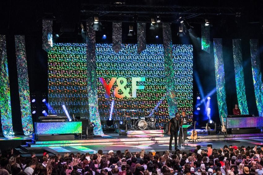 hillsong encounter youth conference unreal stage design - Concert Stage Design Ideas