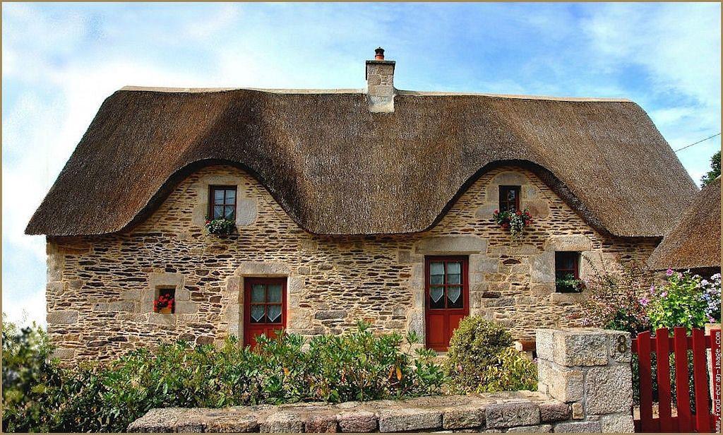 maison double couverte en chaume brittany My dream home