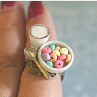 CEREAL AND MILK RING