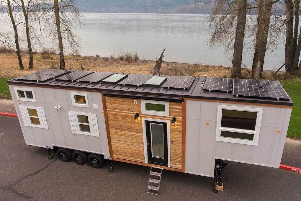 How To Survive And Thrive As a Tiny house builder with Jeremy