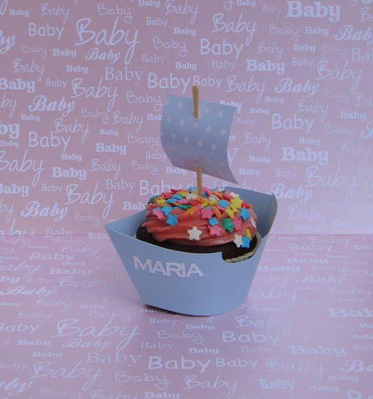 Forminha de Cupcake em formate de barco à vela, feito em papel 180 gr.  Pode ser feito em outras cores e estampas para combinar com seu evento. Ideal para aniversários, chá de bebê ou maternidade. A base da forminha mede 6cm. O cupcake NÃO está incluso, somente para demonstração. R$ 2,50