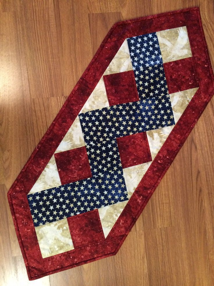 nice table runner for the 4th of july mug rugs placemats and quilts pinterest nice. Black Bedroom Furniture Sets. Home Design Ideas