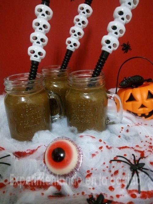 Batido de boniato, aguacate y chocolate Halloween