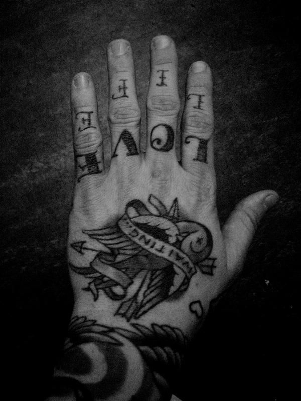 I love hand tattoos