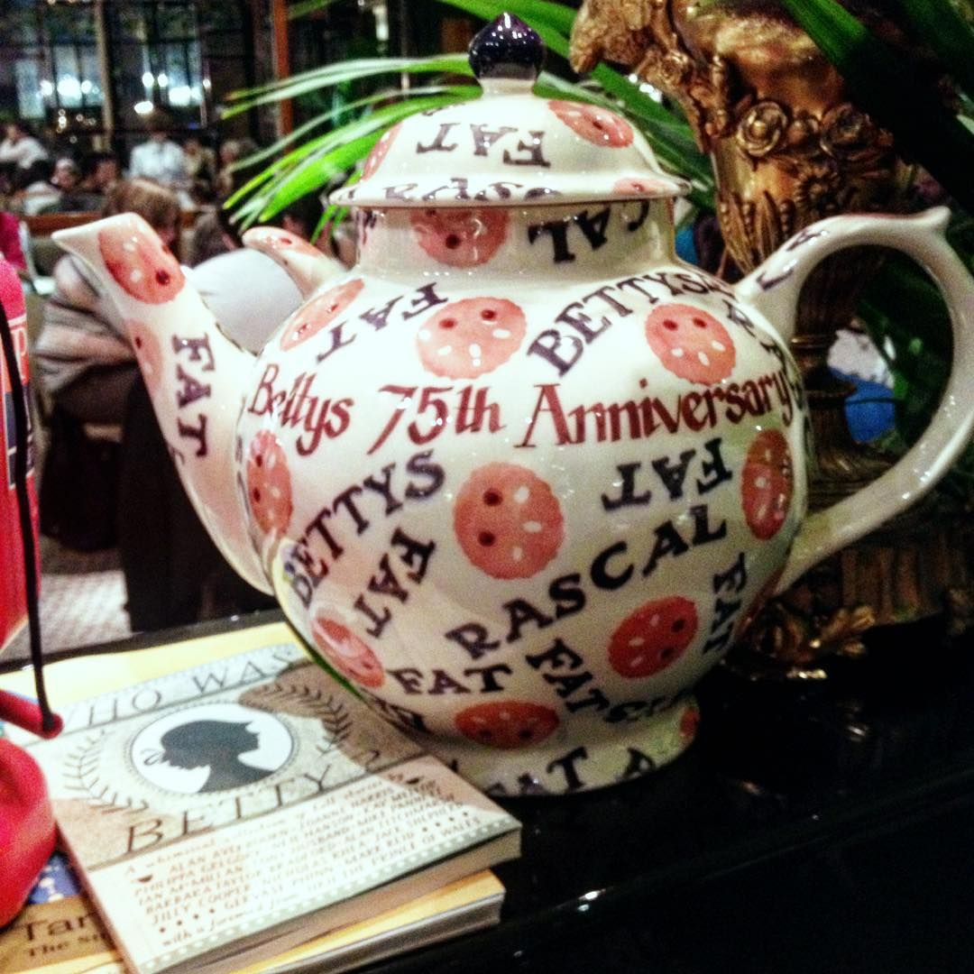 Personalised Fat Rascal Gallon Teapot (Betty's Tea Room Exclusive)