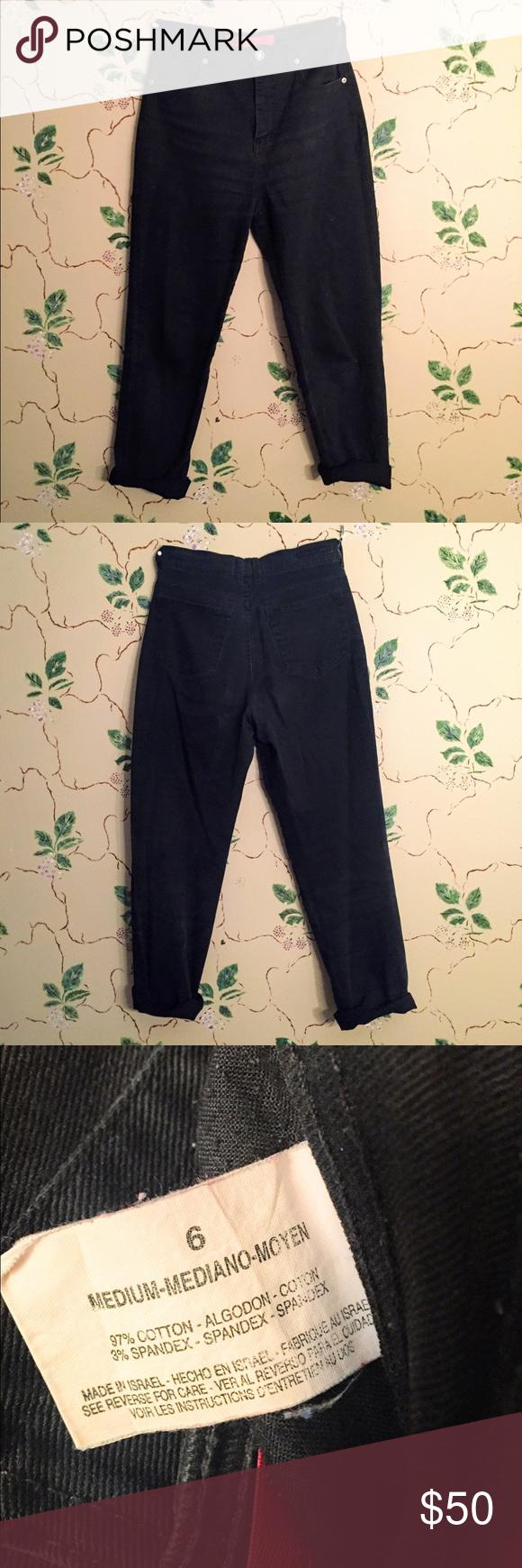 Vintage Gloria Vanderbilt Mom Jeans Vintage Gloria Vanderbilt Mom Jeans! Tag says size 6! In good condition! Make an offer! Gloria Vanderbilt Jeans