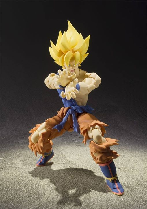 Super Saiyan Son Goku Super Warrior Awakening Ver. 16cm This version depicts Son Goku awakening to his legendary Super Saiyan blood over the course of battling his archrival Frieza. Comes with interchangeable facial expression parts (x2) and interchangeable hands (x8).  Pre-Order Now on @animegamistore and let's save the world together!!! :)  http://buff.ly/2lMIu4D  #DragonBall #Songoku #goku #SuperSaiyan #Saiyan #figure #animegami #animegamistore #S.H.Figuarts