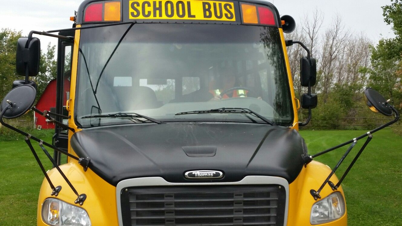 10 reasons why you should a school bus driver