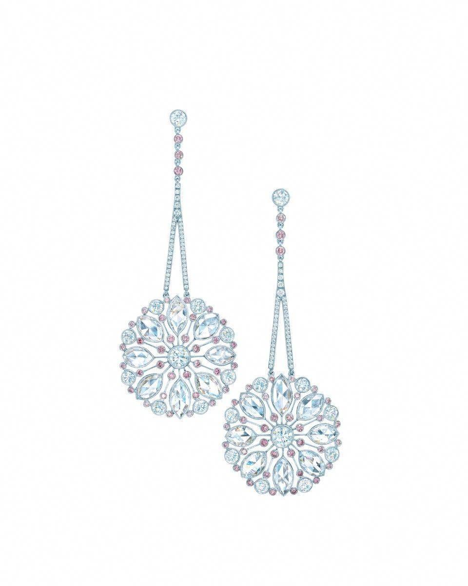 Beautiful diamond sapphire necklace