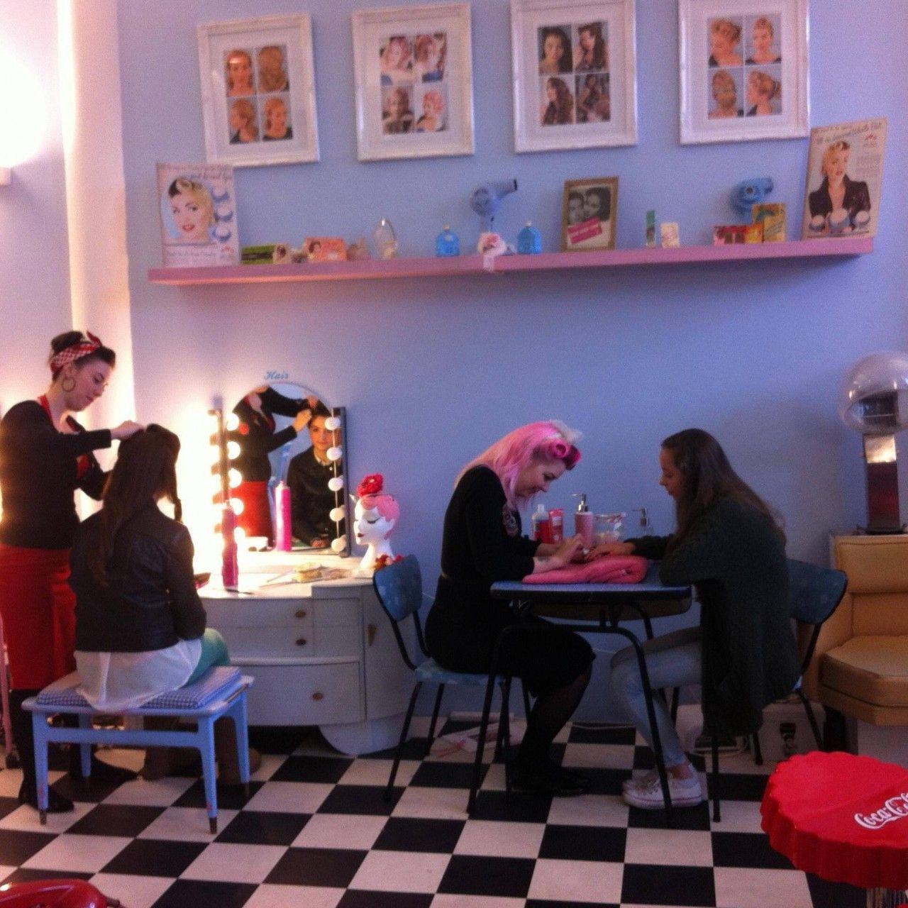 16 Decoracion Vintage Para Salon De Belleza 16  Retro salon