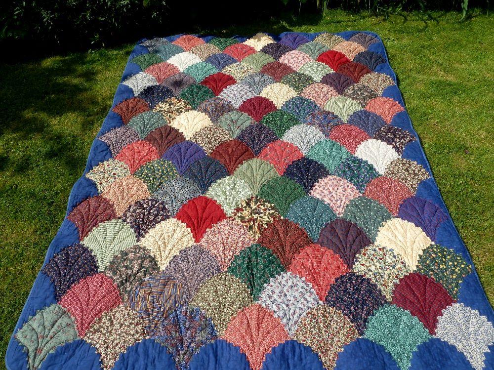 anleitung f r das logcabin muschelmuster clamshell quilt pinterest anleitungen patchwork. Black Bedroom Furniture Sets. Home Design Ideas
