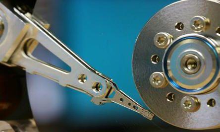 Serviços de recuperação de dados de discos rígidos - http://www.comofazer.org/tecnologia/servicos-de-recuperacao-de-dados-de-discos-rigidos/