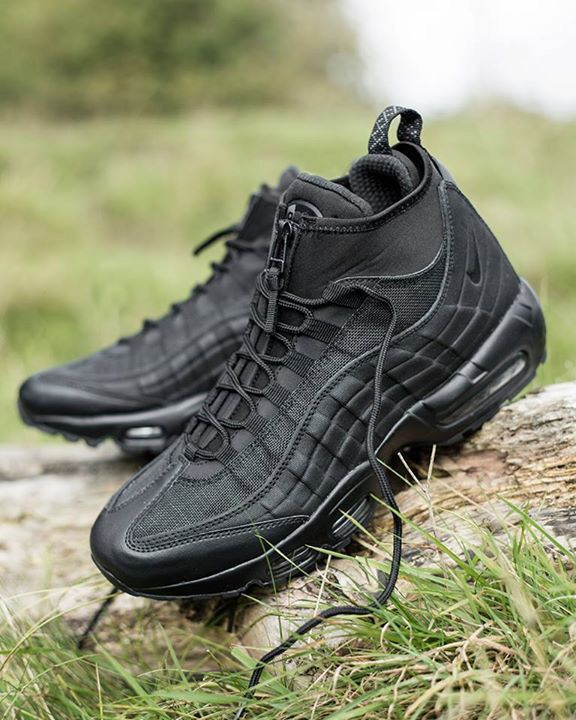competitive price ac838 3593d ... Women s and Kids Shoes and Sneakers. Nike Air Max 95 Sneakerboot  Black