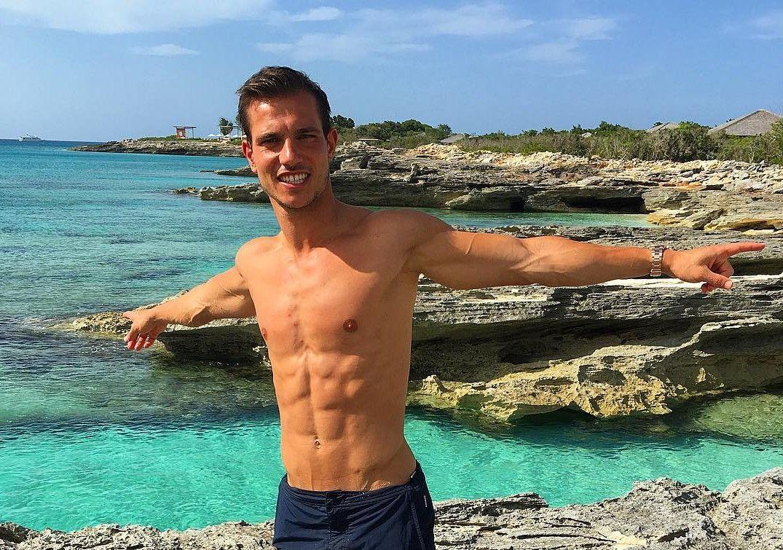 Cedric Soares Body