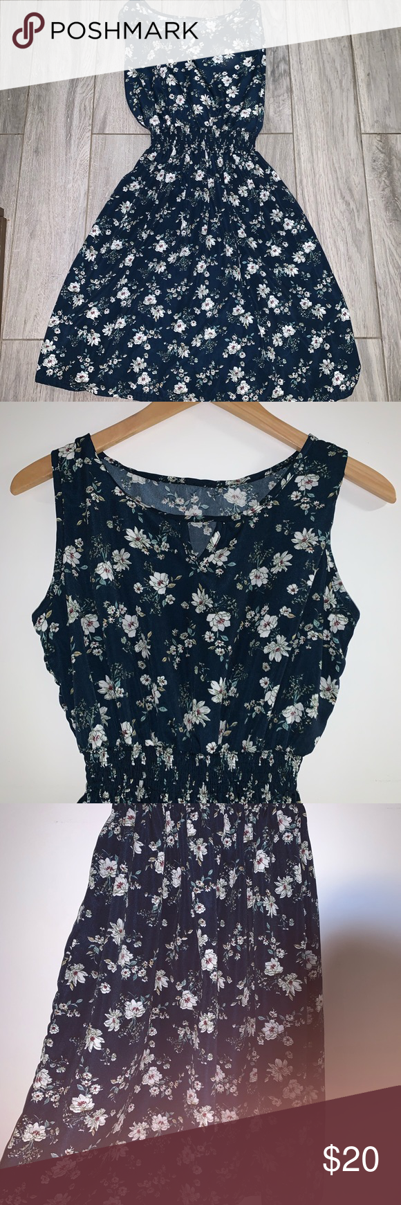 Floral navy dress size small Floral navy blue dress size small D1 Dresses