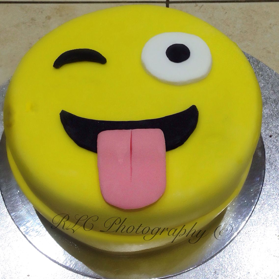 Emoji Cake Made By Rachael C Proud Of Myself Ameera 11