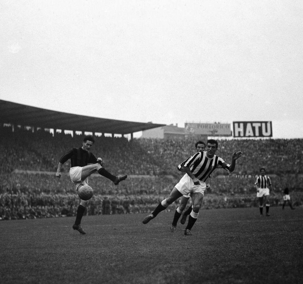 Nils Liedholm AC Milan and Carlo Parola Juventus FC in league