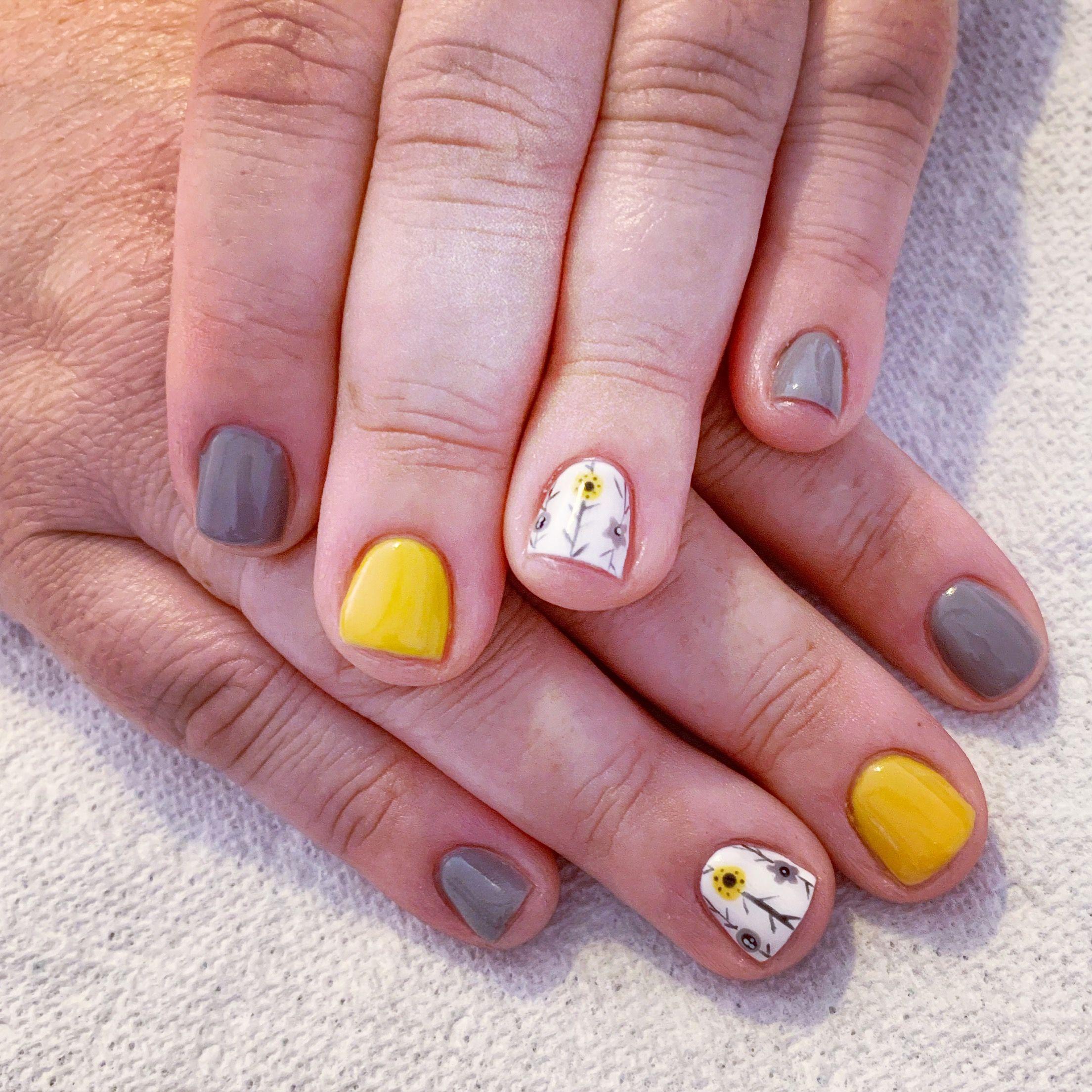 Grey And Yellow Nails Short Nails Gel Nails Natural Nails Nail Stamps Nail Art Glitter Nails Rockstar Nails Summer N White Nails Yellow Nails Gel Nails