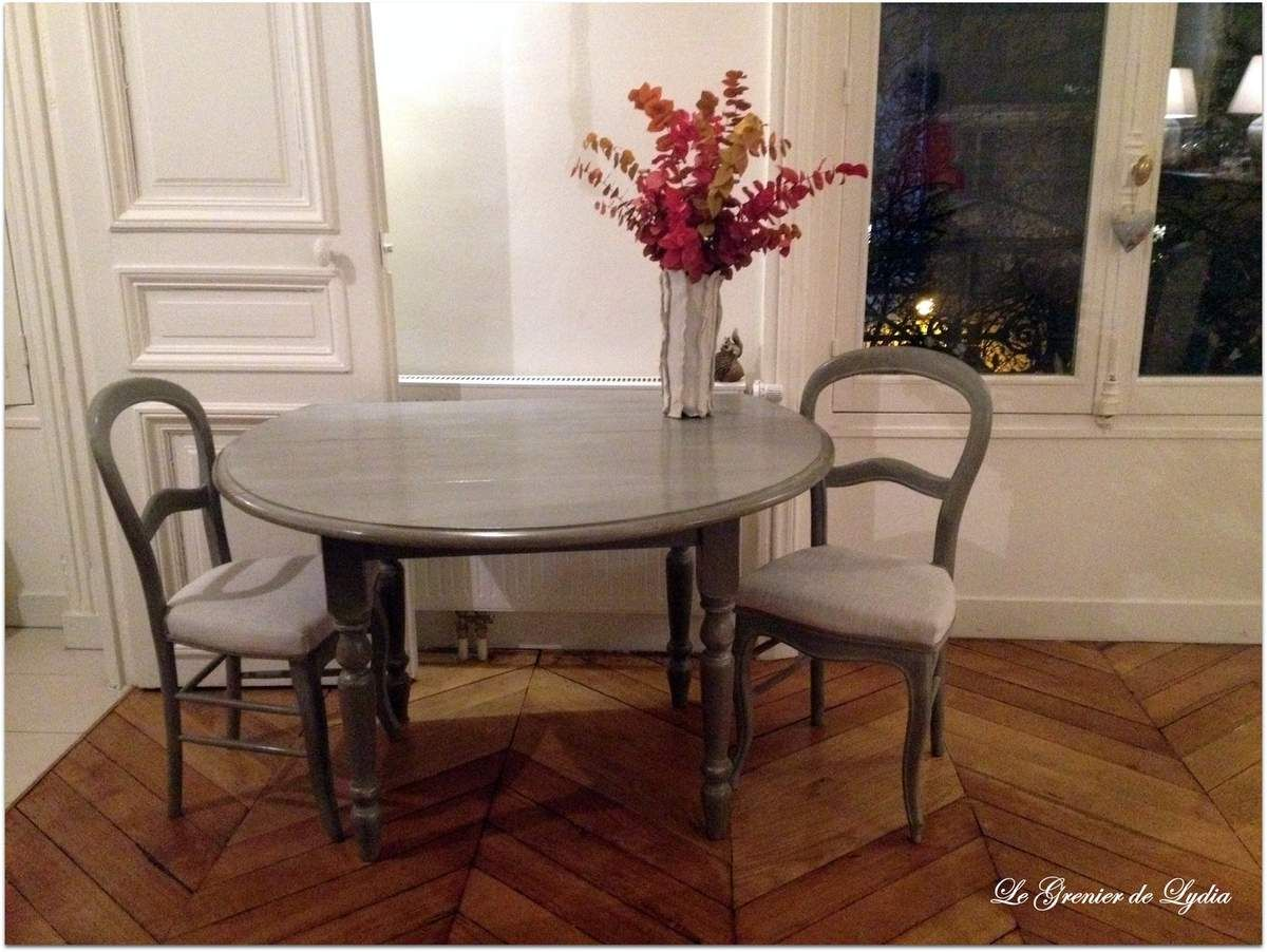 Table, chaises Louis Philippe et fauteuils patinés www ...