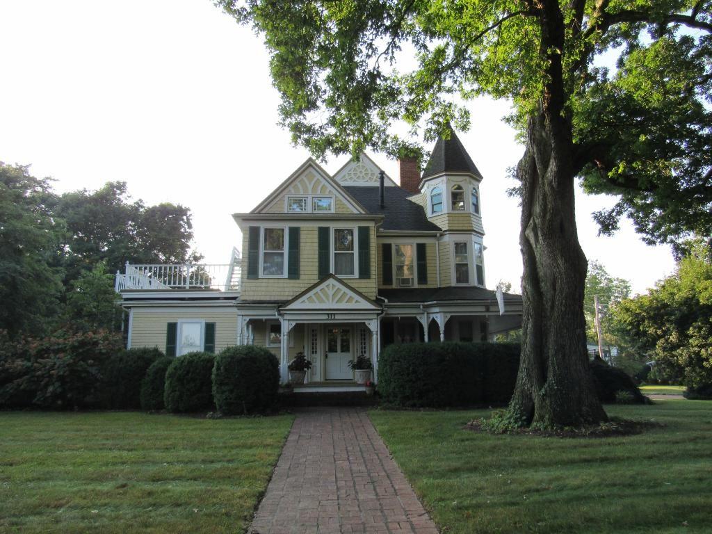 The Oaks Victorian Inn (Christiansburg, VA) - Inn Reviews - TripAdvisor