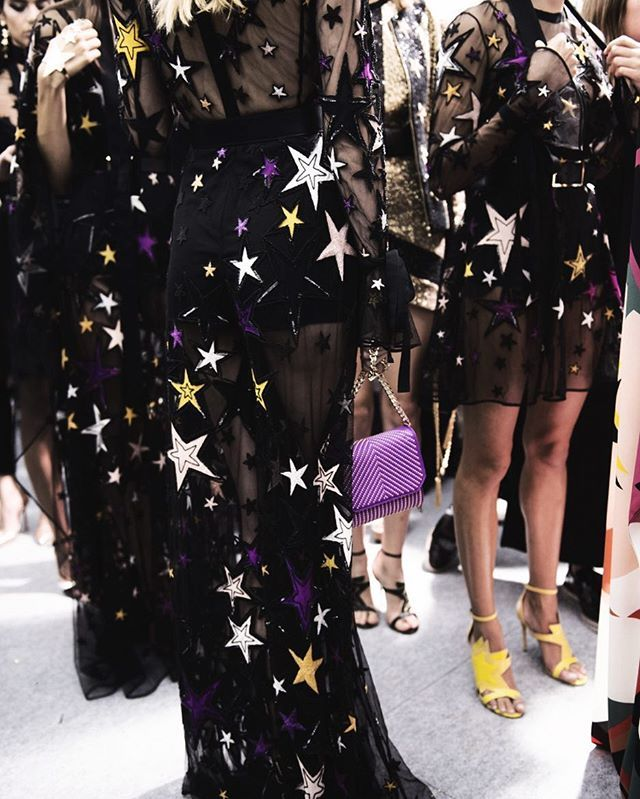 #vrjournal ✔️💫#ootd #wiw #wiwt #lotd #whatiwore #whatiworetoday #lookoftheday #outfit #currentlywearing #personalstyle #streetstyle #details #lookbook #monochrome #minimal #minimalism #minimalist #fashionblogger #fbloggers #nycfbloggers #instastyle #instafashion #style #fashion  #fblogger #mystyle