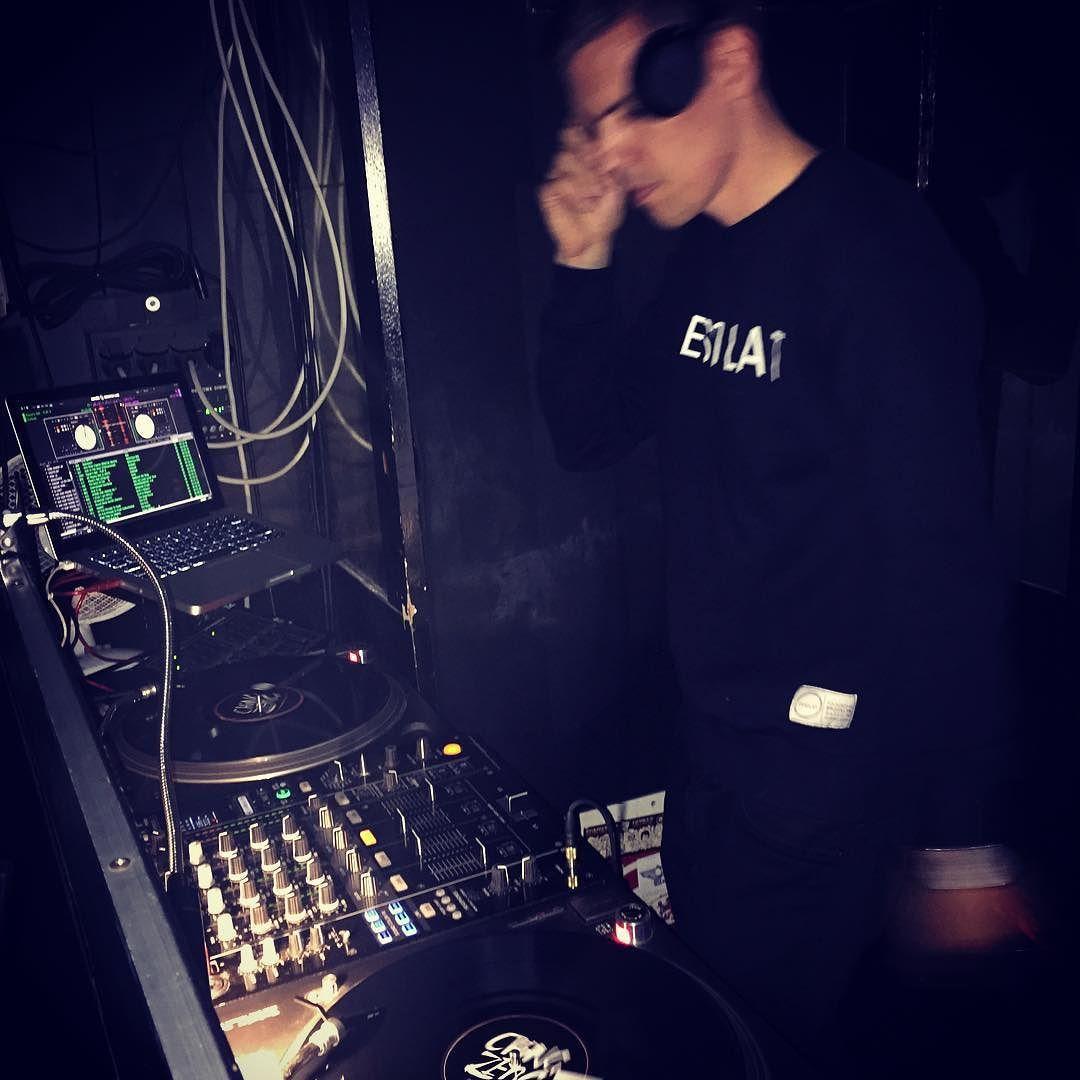 @ching_zeng ft @dj_rafik & @fedecrossover #schickimicki #duesseldorf #dtown #rockin like @djbenzi #maddecent #label #nextlevel #hiphop #dj #chingzeng #music