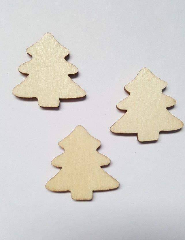 10 X Mini Blank Wooden Craft Shapes   30mm   Christmas Tree