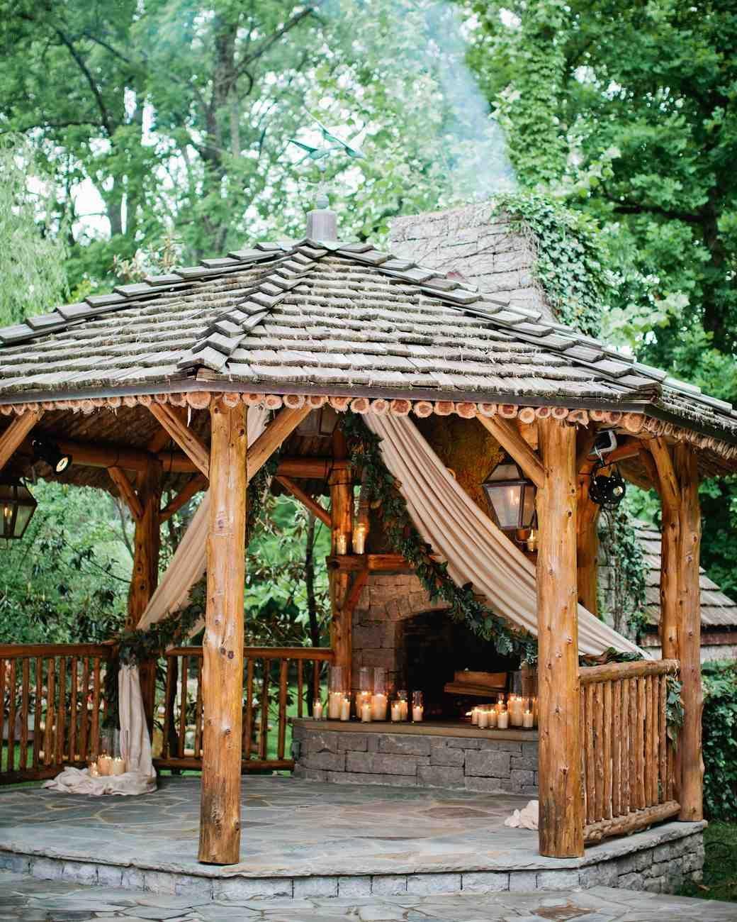A Tennessee Wedding At The Couple S Log Cabin Home Gazebo Modern Gazebo Log Cabin Rustic