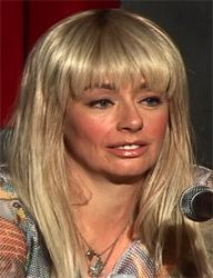 lucy decoutere hot