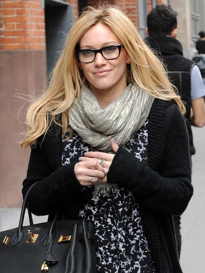 bf45b190d76 HilaryDuff -  glasses  celebrities