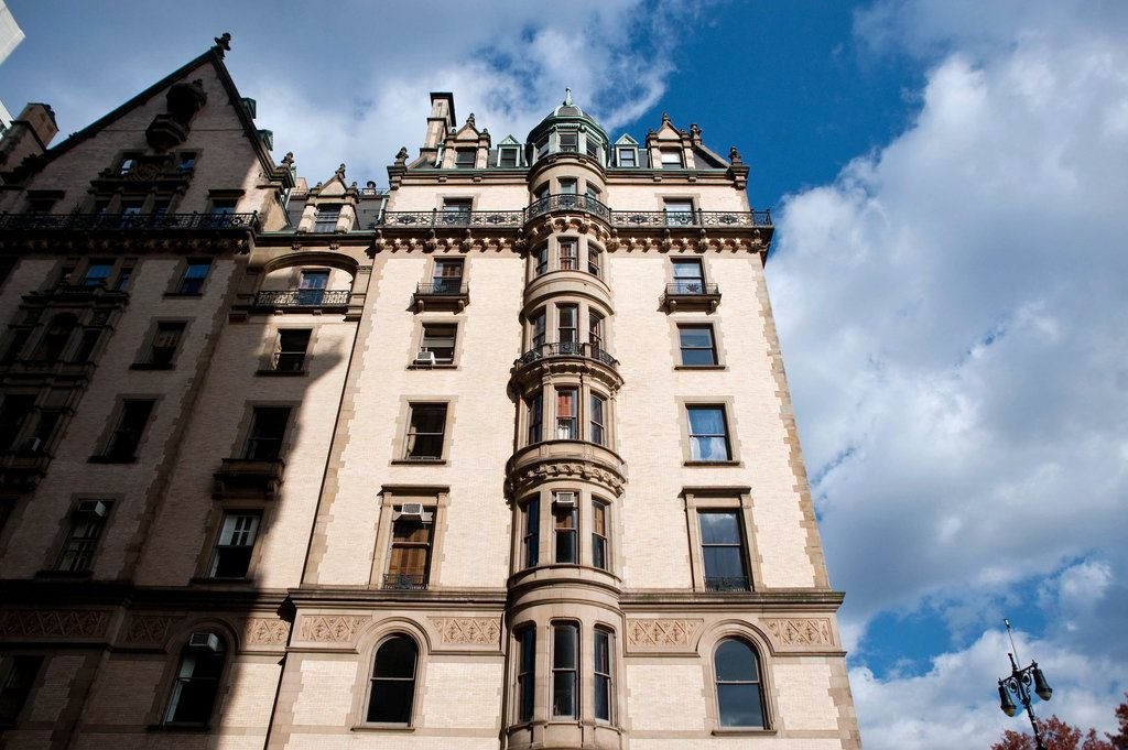 A Rare Apartment Comes on the Market | New york townhouse ...