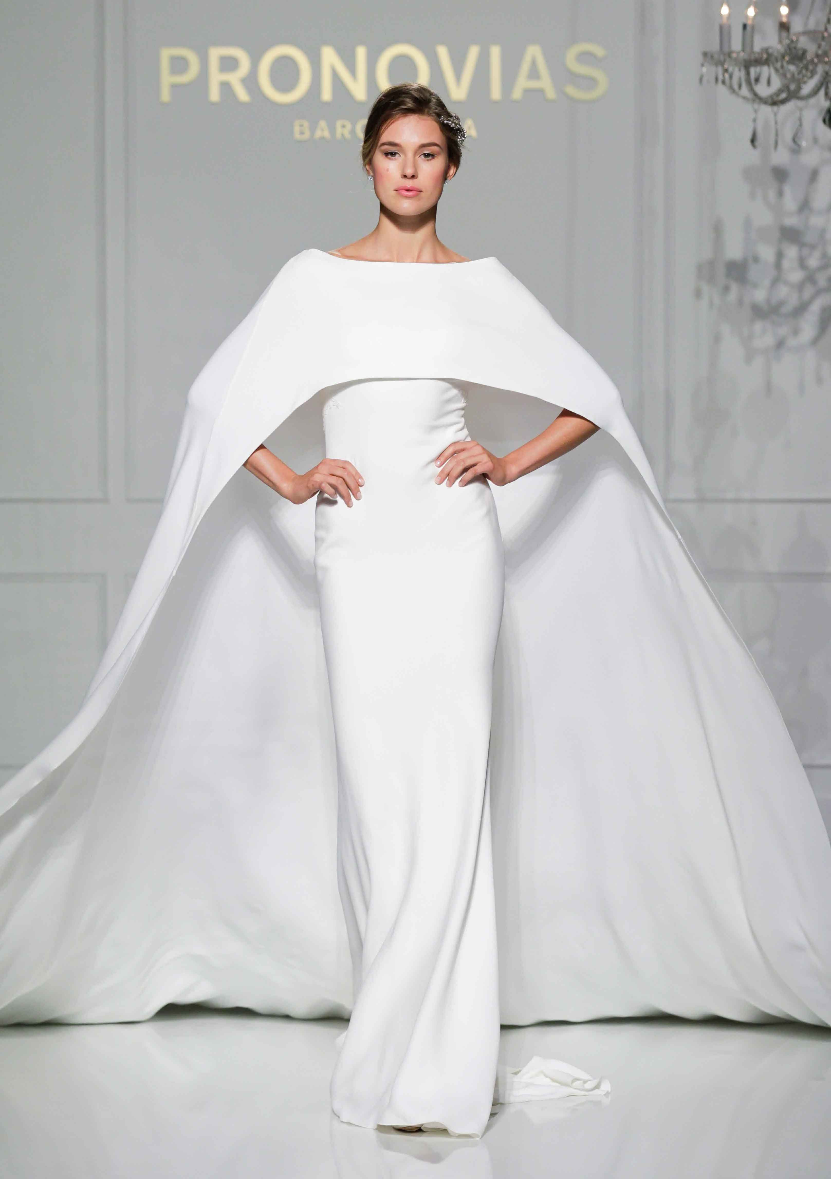 Bridal gowns inspired by the golden globes red carpet golden