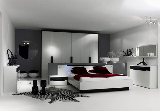 ♥ black, white, and gorgeous red