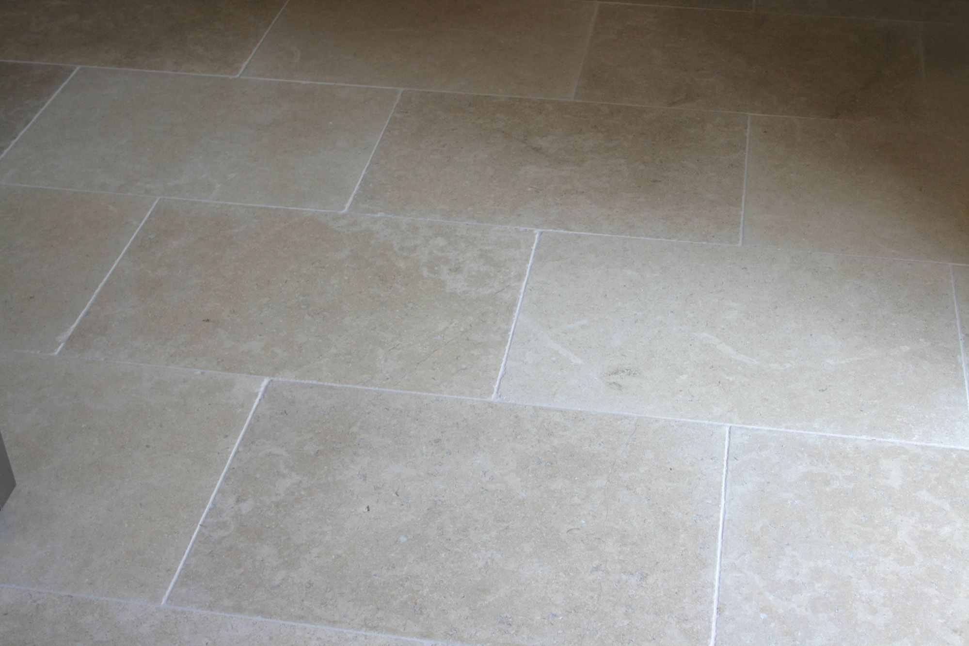 Paris grey tumbled limestone kitchen floor tiles httpwww paris grey tumbled limestone kitchen floor tiles httpnaturalstoneconsultinglimestone paris grey limestone house pinterest paris grey dailygadgetfo Image collections