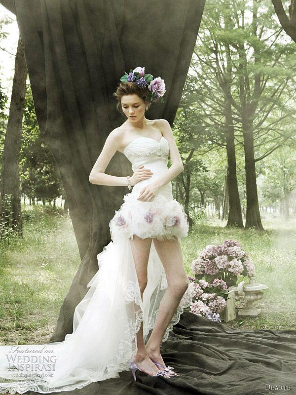 dearte korean wedding dress @ http://weddinginspirasi.com/2011/08/30/romantic-wedding-dresses-by-dearte/