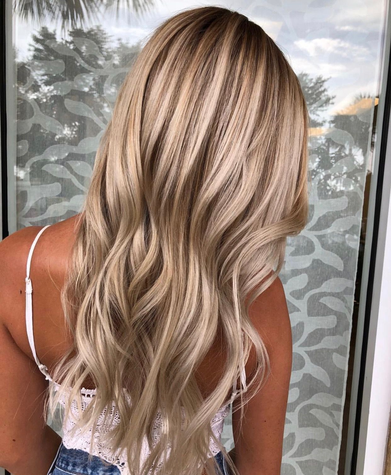 This Blonde Balayage Could Not Be More Beautiful Dark Root Melt
