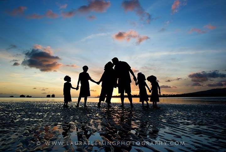 Family sunset photo  families.lauraflemingphotography.com