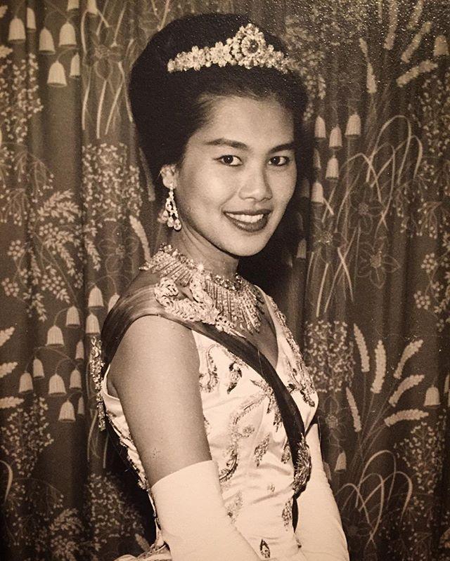 สมเด็จพันปีหลวง: Her Majesty Queen Sirikit Of Thailand, Long Live The Queen