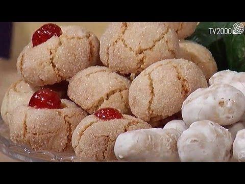 Biscotti Di Natale Quel Che Passa Il Convento.Quel Che Passa Il Convento Piricchitus Campidanesi E Amaretti