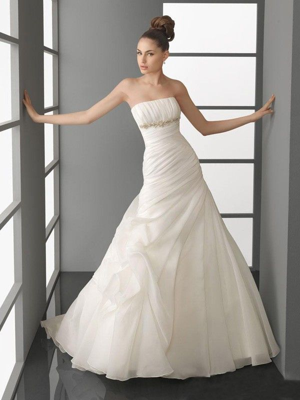 1000  images about amazing wedding dresses on Pinterest - Wedding ...