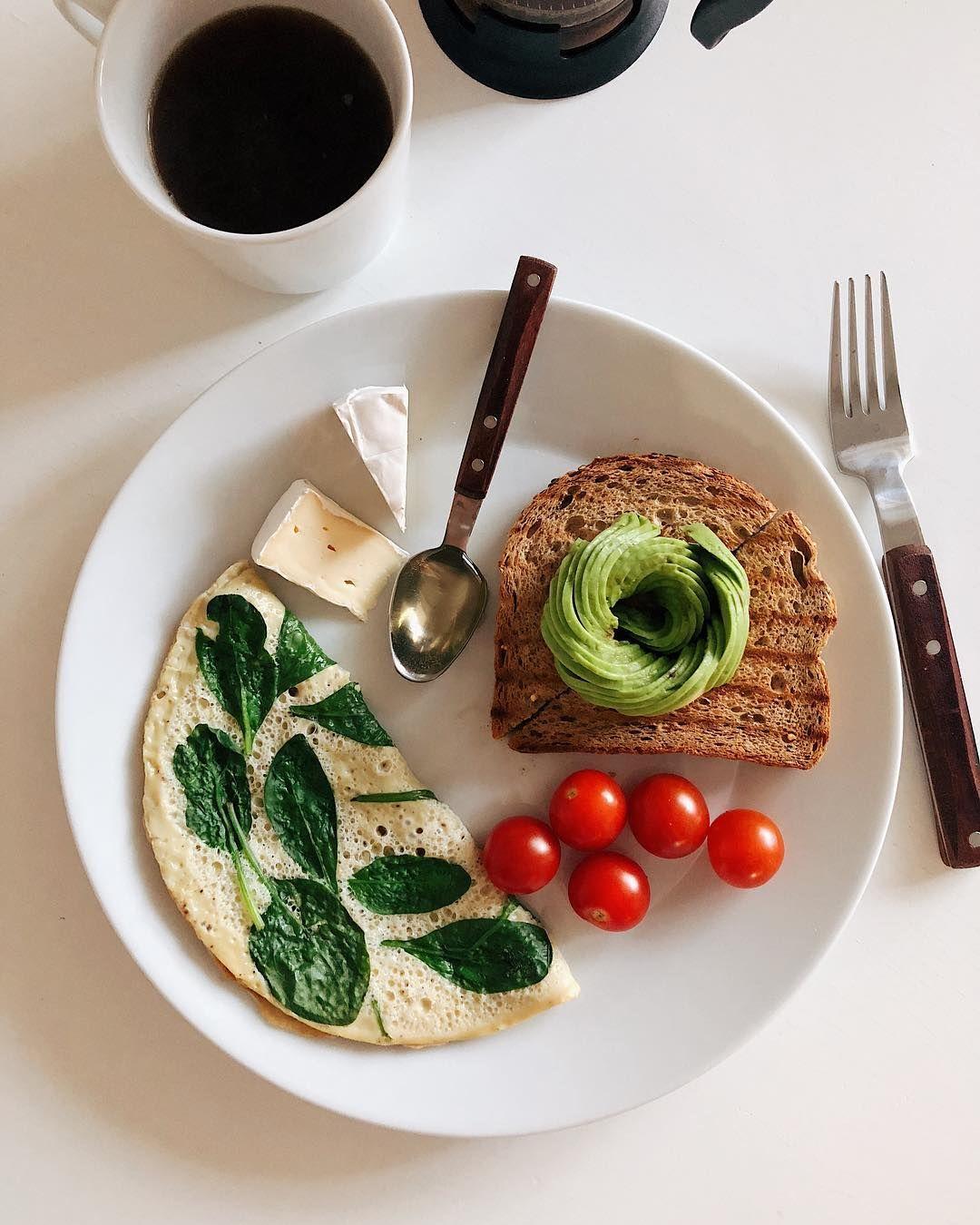 Первый завтрак в новой квартире 🎉 И я объелась 🤪 ᅠ Завтра