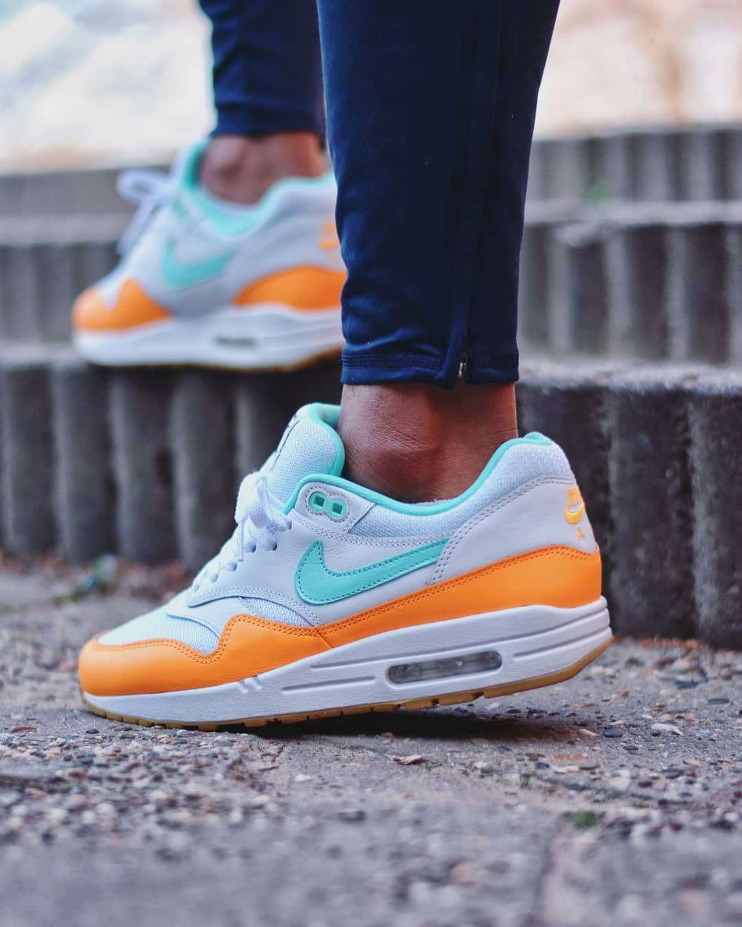 _ _ _ Nike Air Max 1