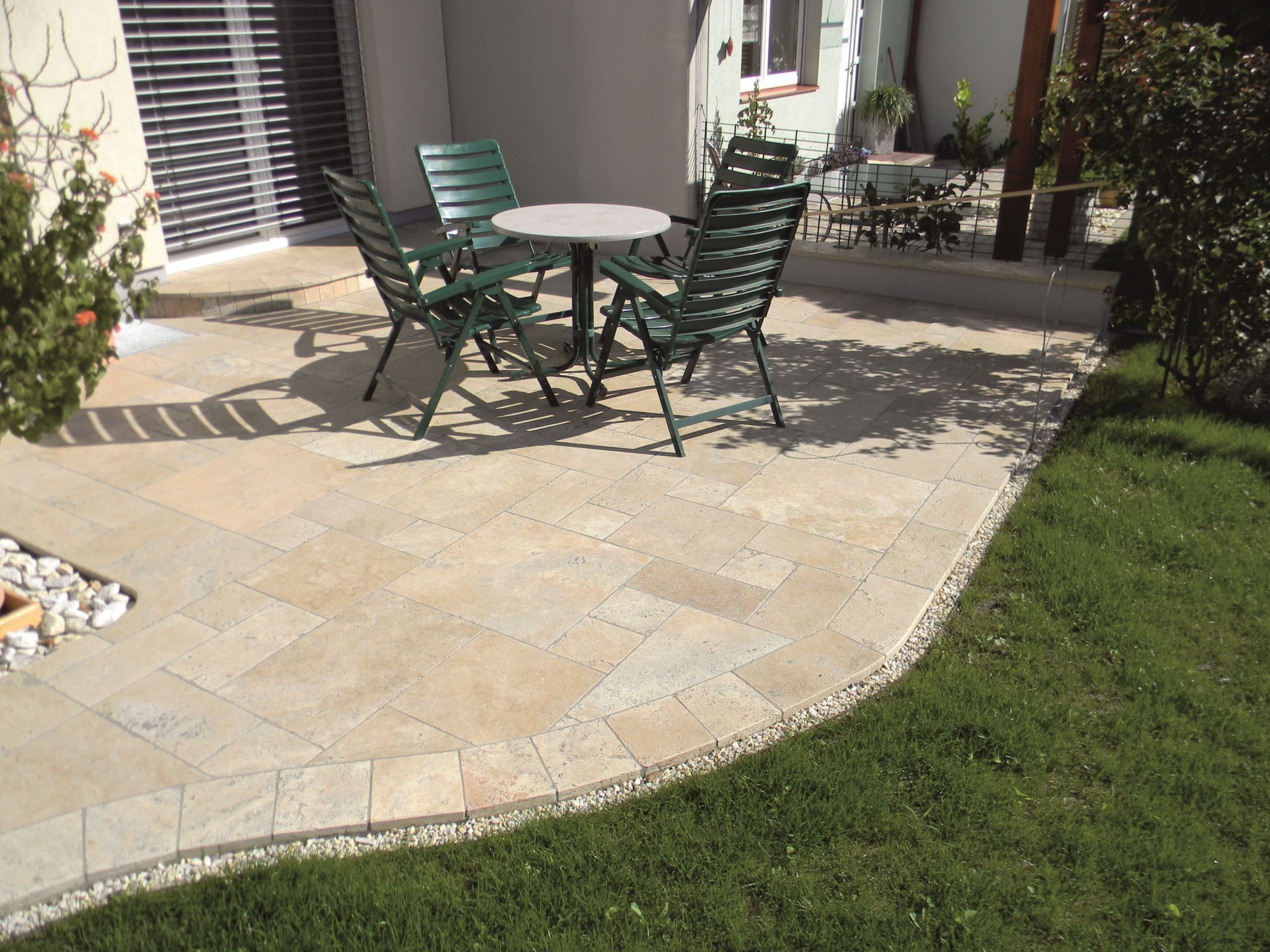 Bodenplatte 3 Cm Travertin Beige 19 5 19 5 3cm Stein Co Gartengestaltung Gartenplatten Garten Design